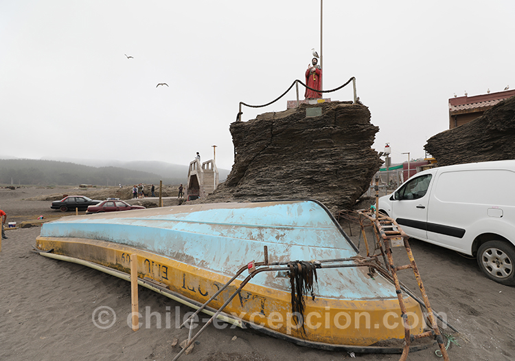 Restauration des bateaux à Bucalemu, Chili