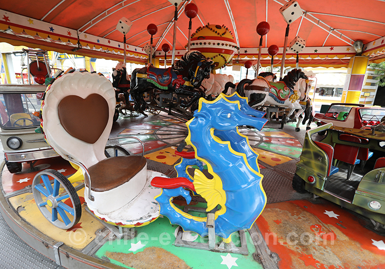 Petit carrousel de la ville basse de Valparaiso