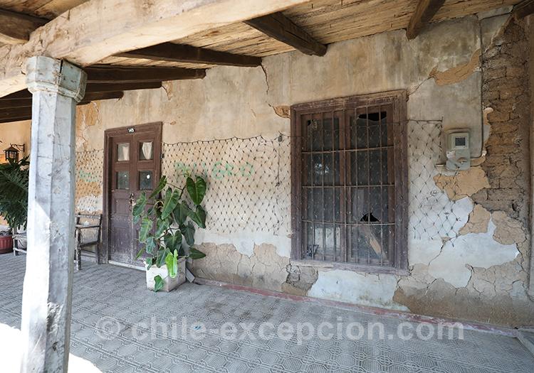 Devanture de maison au village de Lolo, Centre du Chili