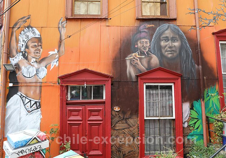 Peintures à Valparaiso, rues animées