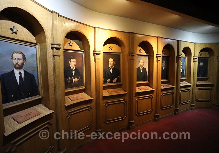 Portraits au musée maritime, Valparaiso