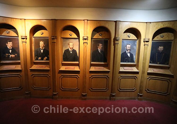 Collection de portraits au musée maritime national de Valparaiso