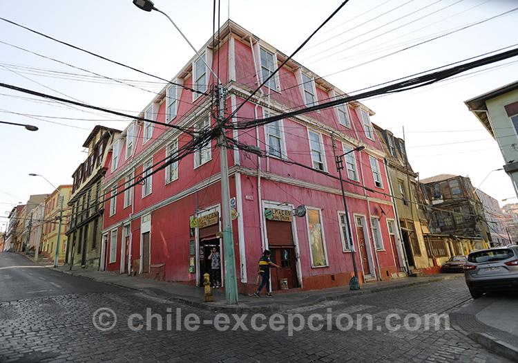 Maison rouge du Cerro Cordillera, Valparaiso