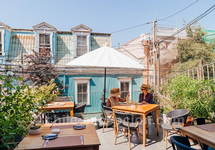Magnifique terrasse de l'hôtel MM540 Valparaiso avec l'agence de voyage Chile Excepción