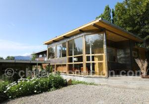 Salon et salle à manger, hotel Patagonia House, Coyhaique