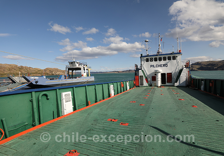 Partir en ferry depuis Puerto Ibañez, lac general Carrera