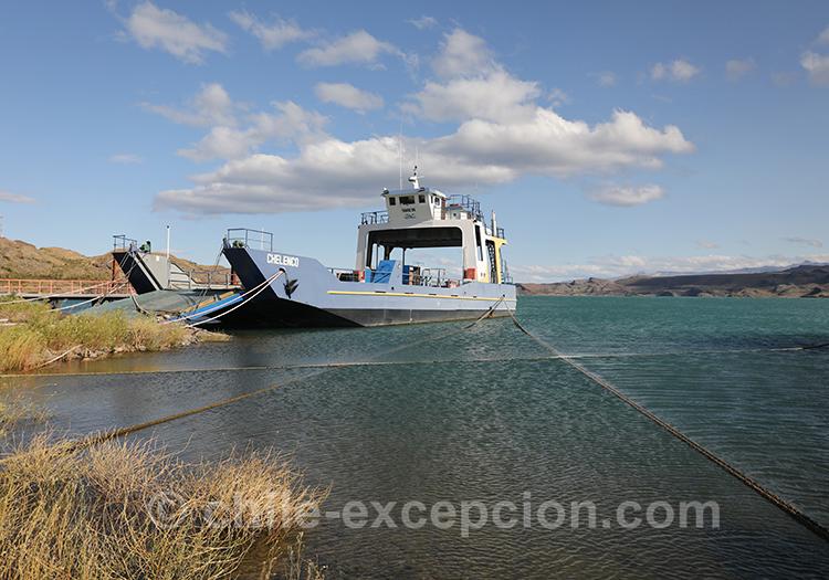 Photos du ferry à Puerto Ibañez sur le lac General Carrera,