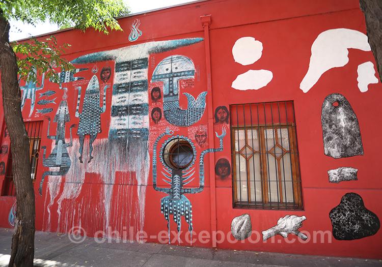 Mur rouge et peinture à Yungay