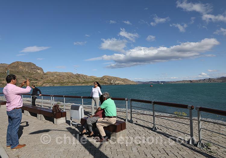 Attendre le ferry à puerto Ibañez en Patagonie australe du Chili