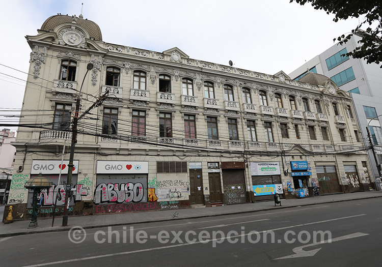 Visiter la ville basse de Valparaiso, Chili