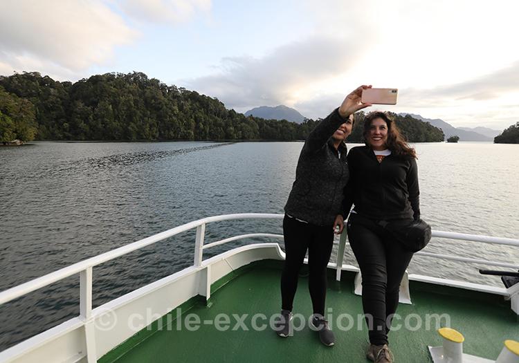Photos avec le monument Cinco Hermanas sur le fjord Aysen