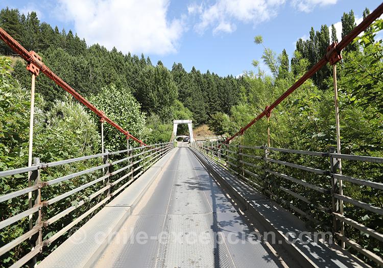 Puente del Indio, rio Simpson