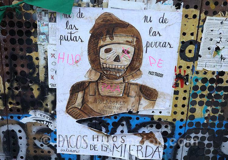 Tags de tête de mort au Chili