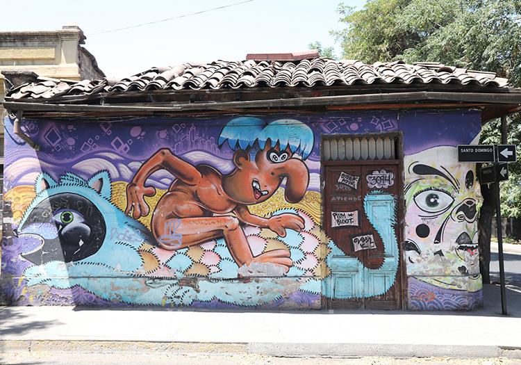 Façades colorées à Yungay au Chili