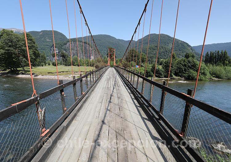 Pont suspendu río Simpson