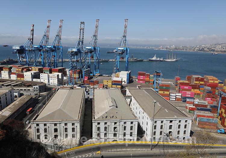 Cerro Artilleria, port industriel de Valparaiso