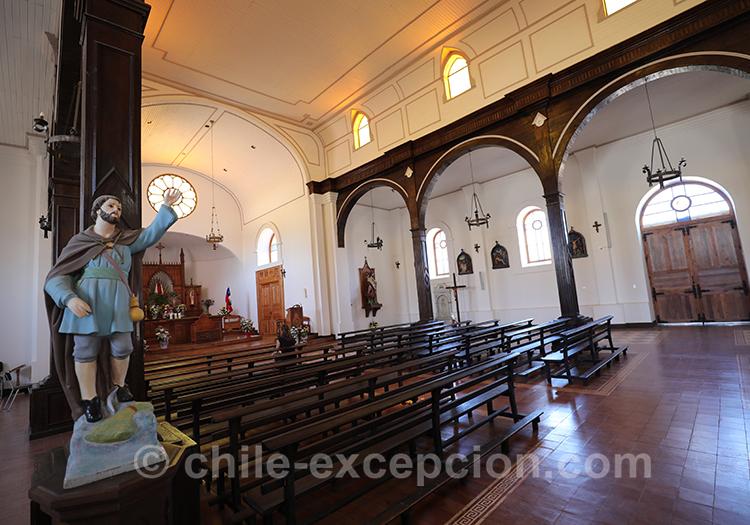 Intérieur de l'église de Paredones, Chili