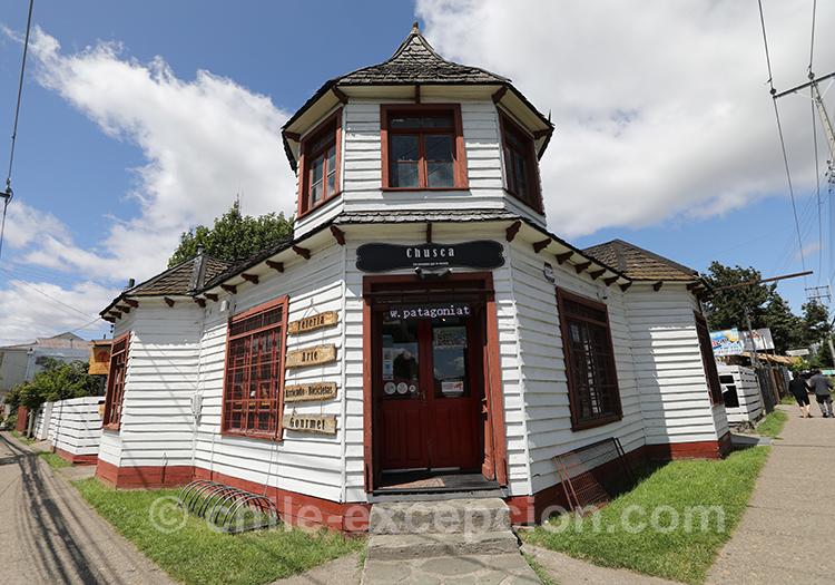 Architecture de la ville de Coyhaique, Chili avec l'agence de voyage Chile Excepción