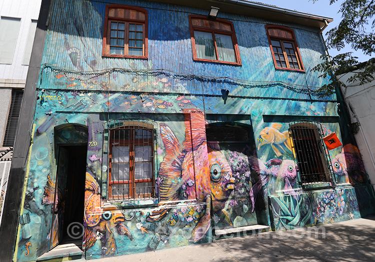 Maison avec dessin de la mer, Chili