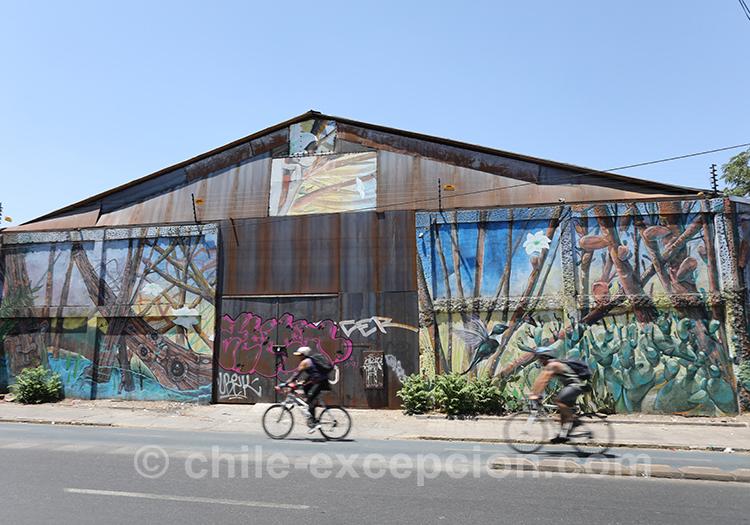 Hangar peint à Yungay, Chili