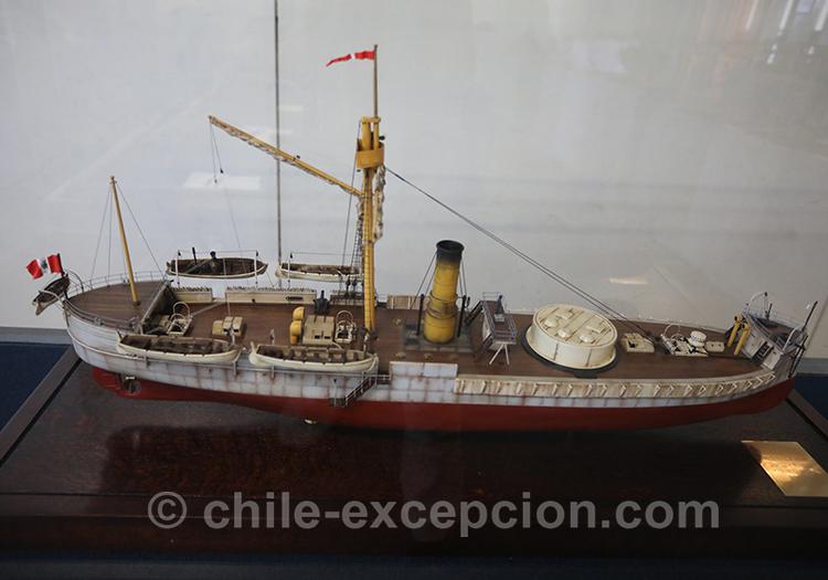 Navire en exposition au musée maritime de Valparaiso