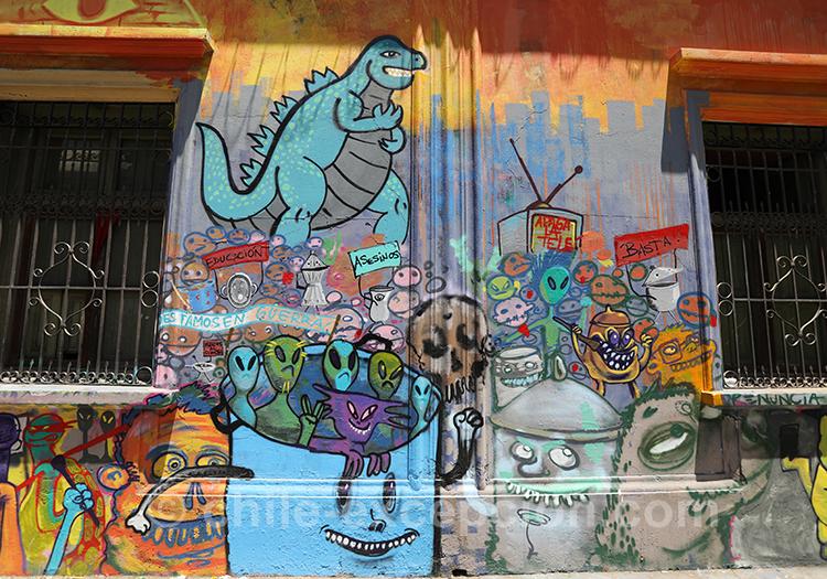 Dinosaure peint sur les murs de Santiago
