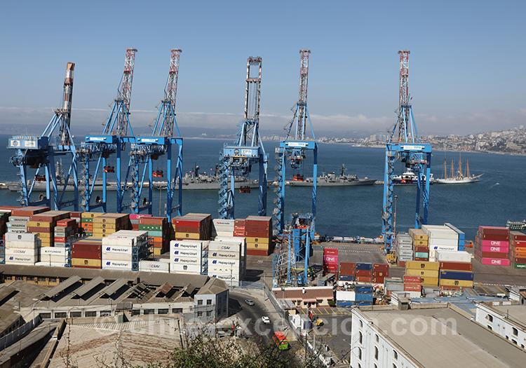 Le port de Valparaiso vu du Cerro Artilleria