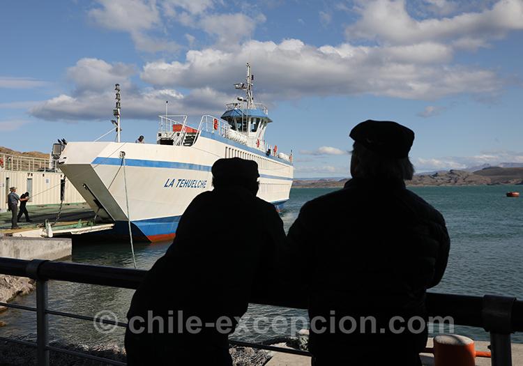 Prendre le ferry à Puerto Ibañez et aller à Chile Chico