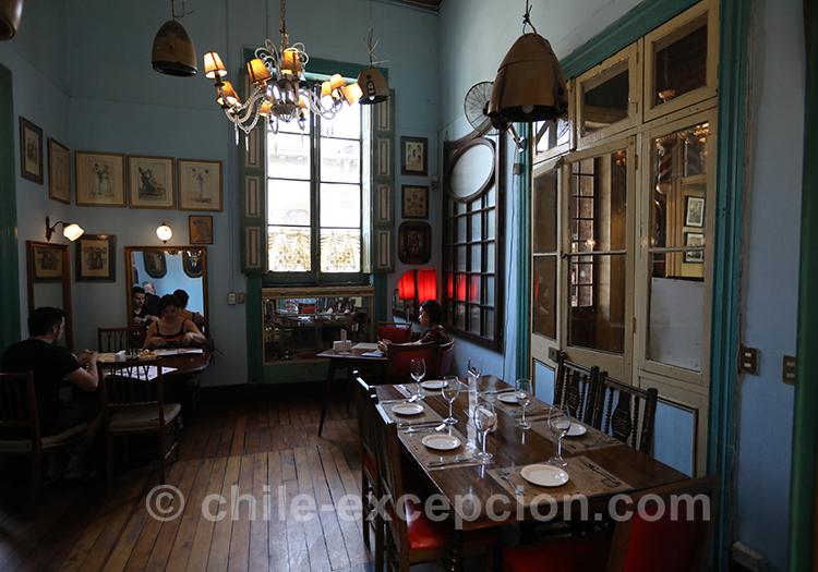 Ancien salon de coiffure devenu restaurant, la Peluquería Francesa, Santiago