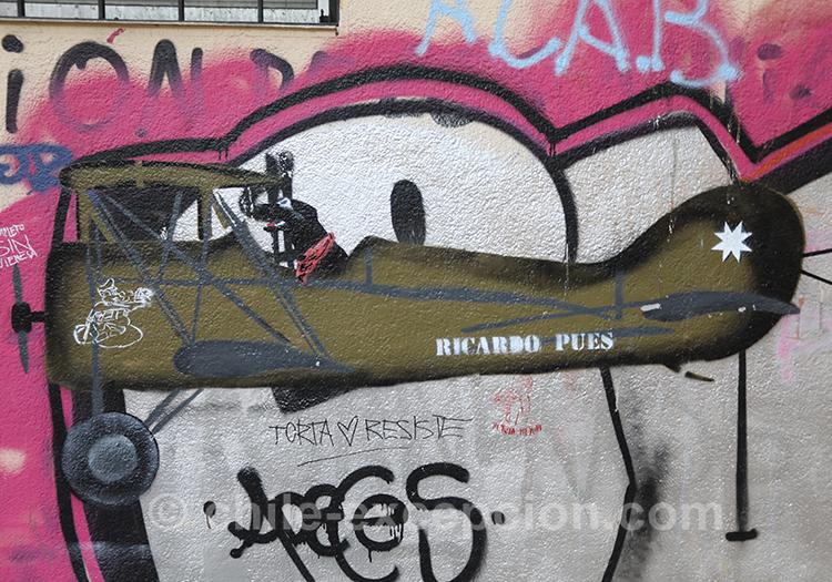 Graffitis et tags au Chili