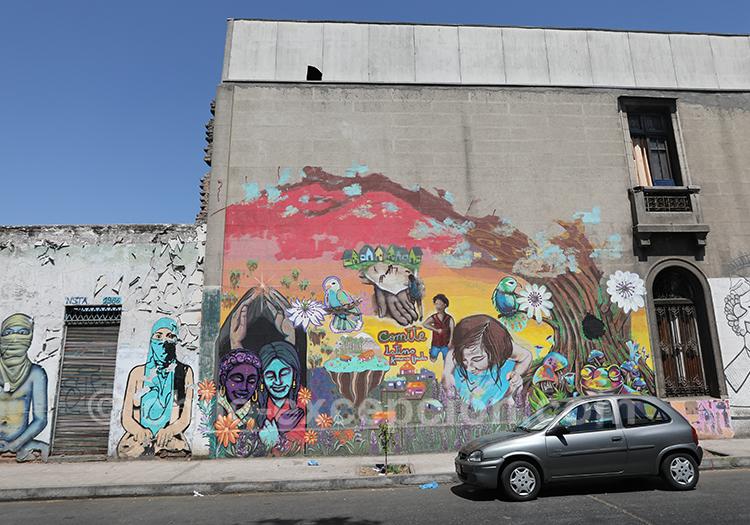 Tags et graffitis à Yungay, Chili