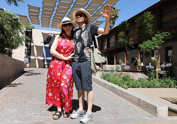 Touristes au musée d'Arts Visuels de Santiago, Chili