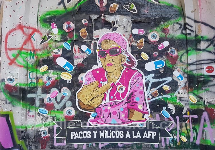Tags d'une grand-mère contestataire au Chili