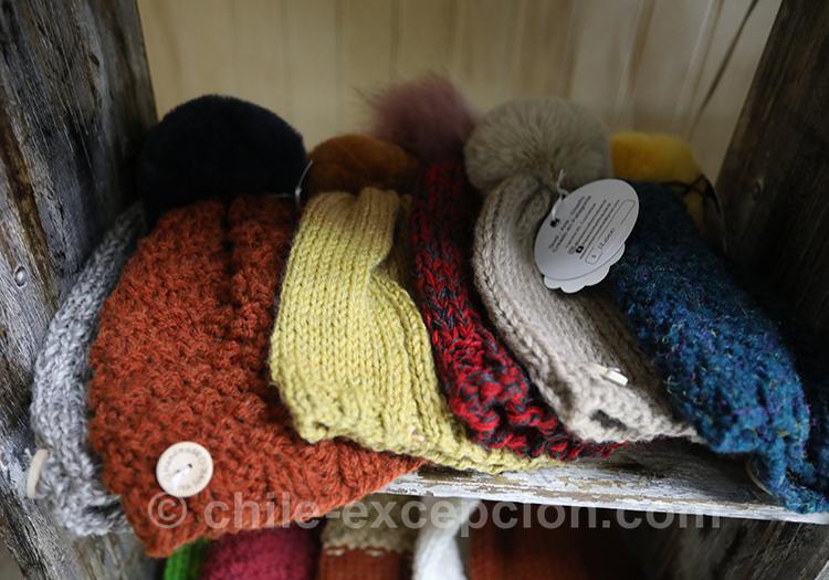 Bonnets de laine de la feria artisanale de Coyhaique