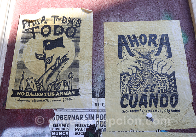 Le peuple main dans la main contre le pouvoir au Chili