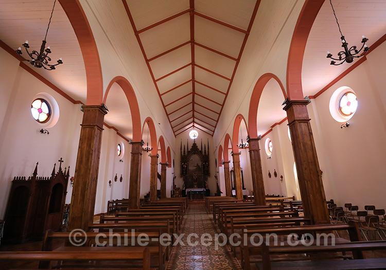 Entrée de l'église de Lolol au Chili