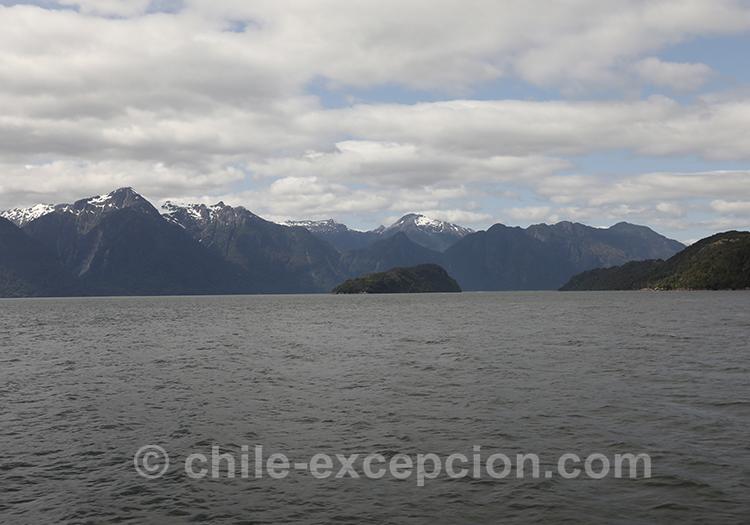 Aller aux thermes Ensenada Pérez par le Fjord Aysen, Chili