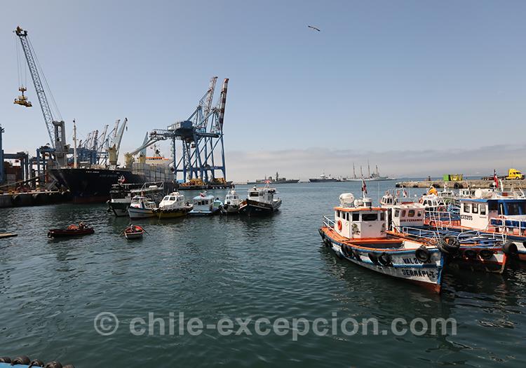 Entrée du port de Valparaiso, Chili