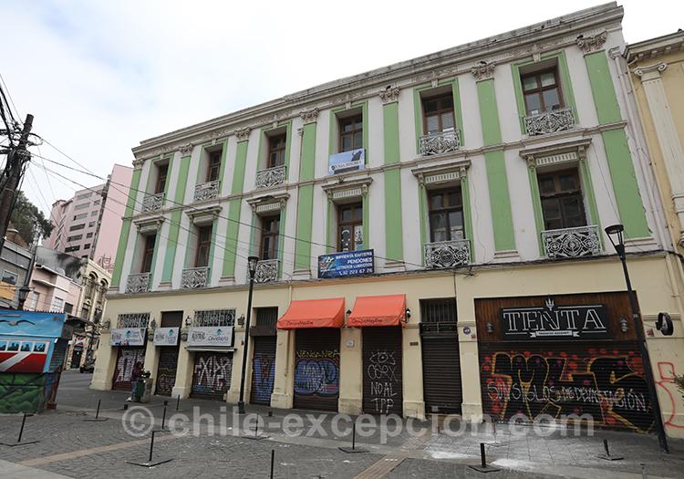 Visiter la vieille ville basse de Valparaiso