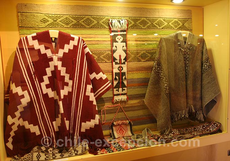 Poncho du musée d'artisanat chilien à Lolol