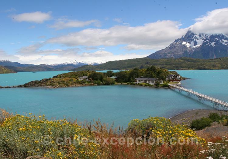 Vue panoramique sur l'île Pehoé, Torres del Paine