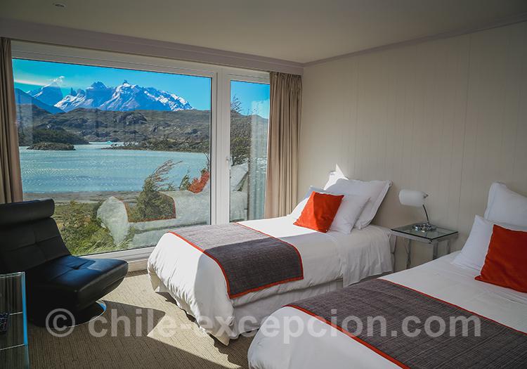 Chambre avec lits simples de l'hôtel Lago Grey