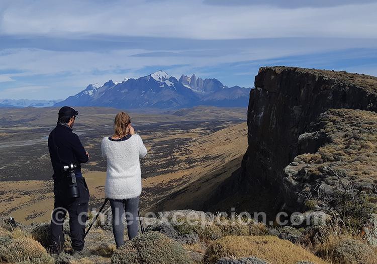 Vue panoramique sur Torres del Paine depuis l'estancia Cerro Guido