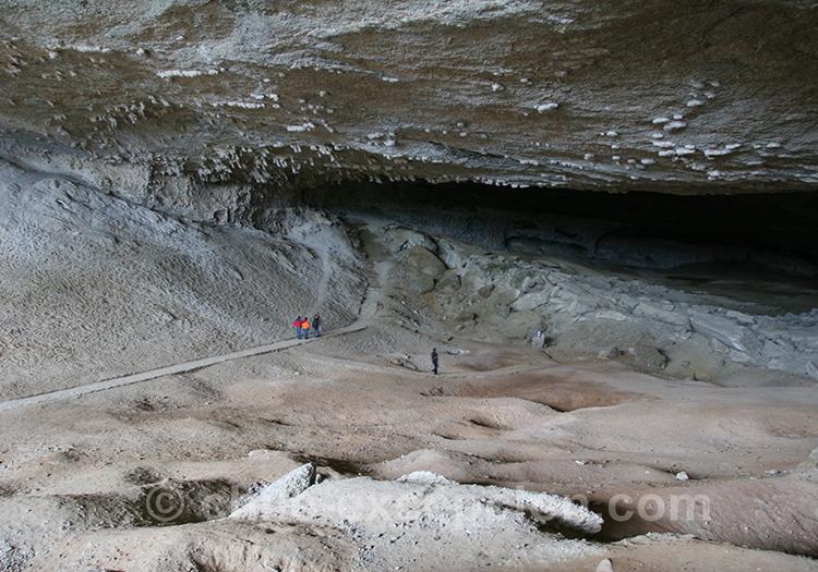 Visiter la grotte du Milodon, Torres del Paine, Chili
