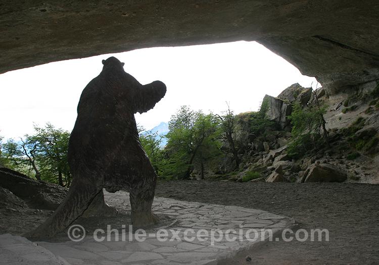 Découvrir la grotte du Milodon près de Torres del Paine, Chili avec l'agence de voyage Chile Excepción