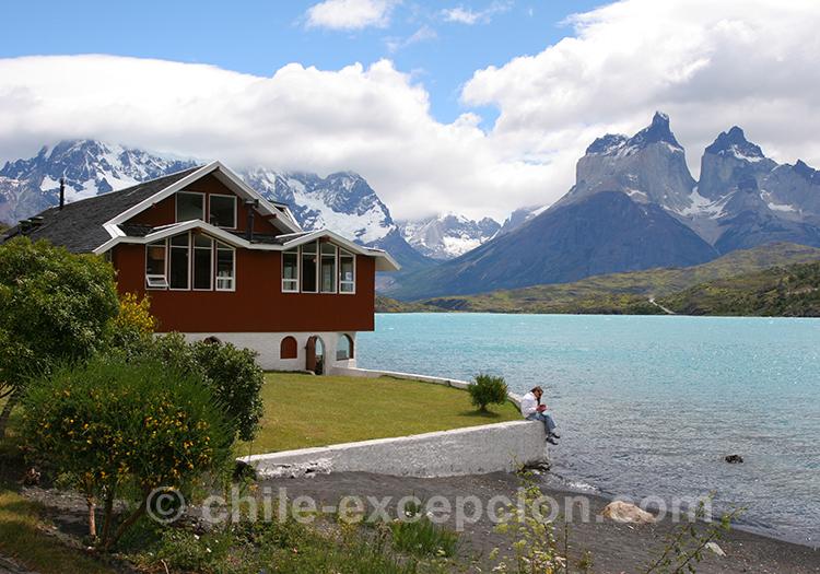 Vue sur le lac Pehoé depuis l'île Pehoé, Chili