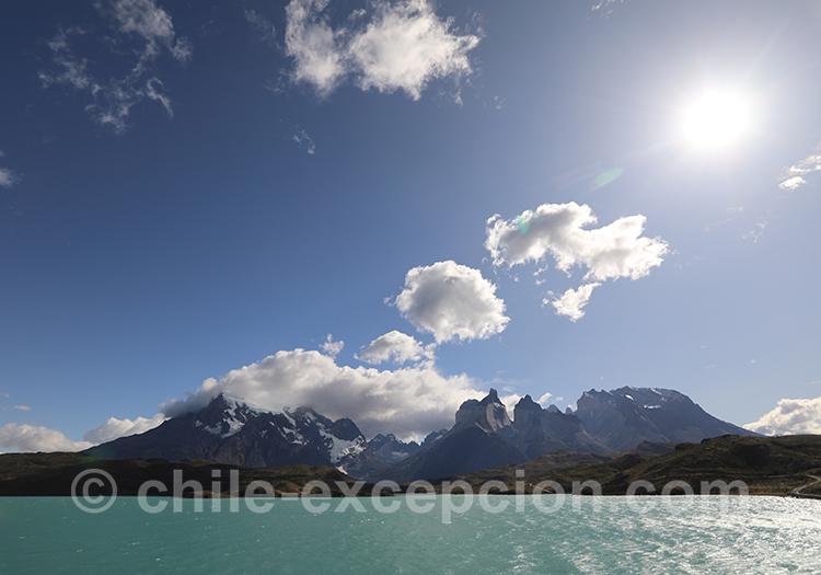 Superbe lac de Patagonie, lac Nordenskjöld
