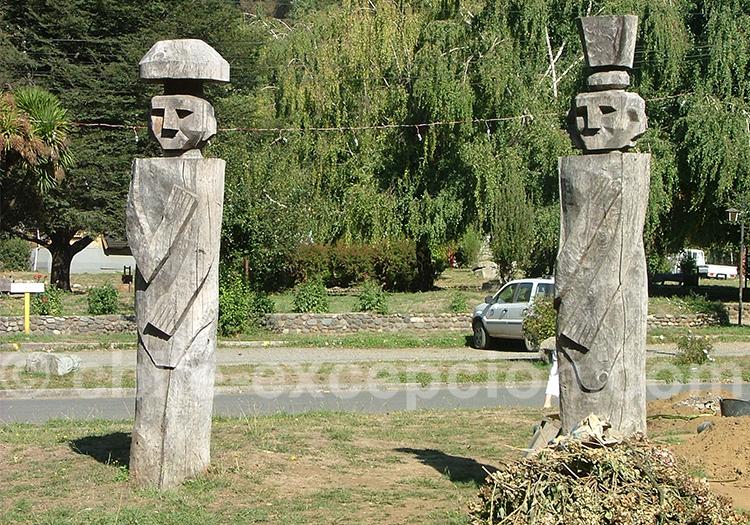 Chemamull, personnage en bois de la culture mapuche
