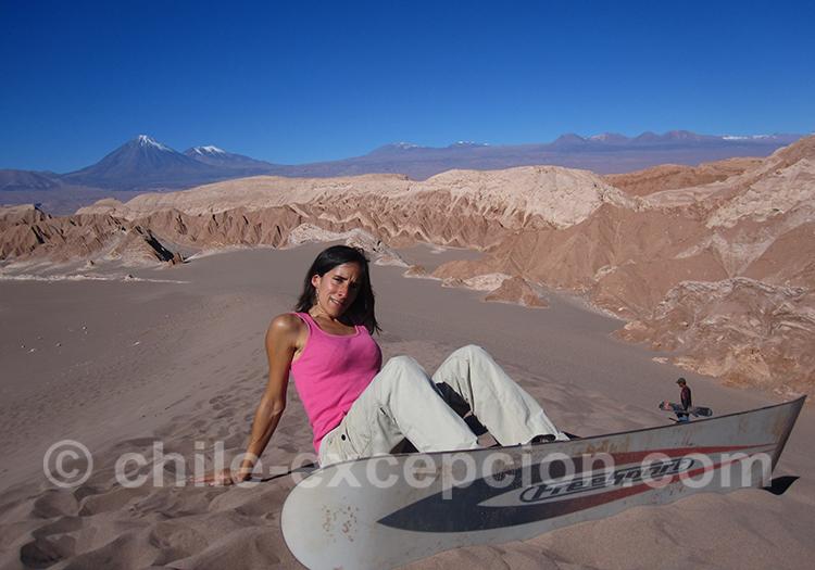 Faire du surf dans le désert d'Atacama, Chili