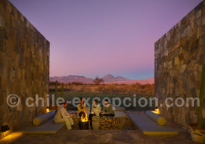 Relaxation après la journée dans le désert d'Atacama